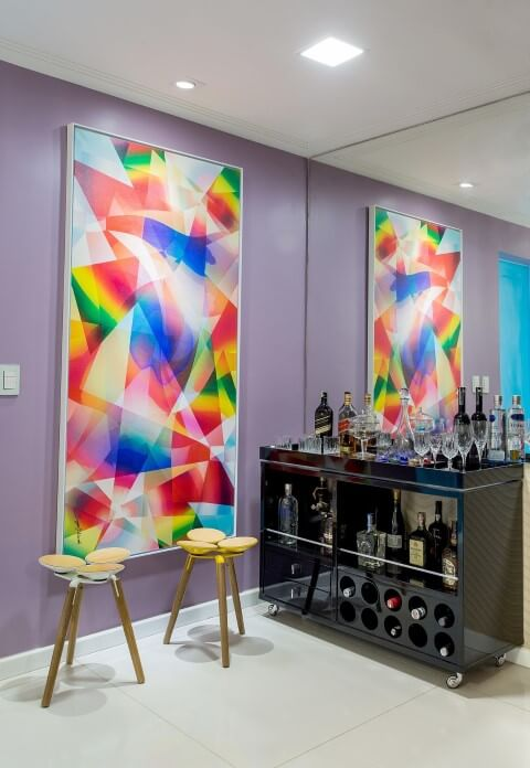 Bar-em-casa-com-bancos-Projeto-de-Milla-Holtz