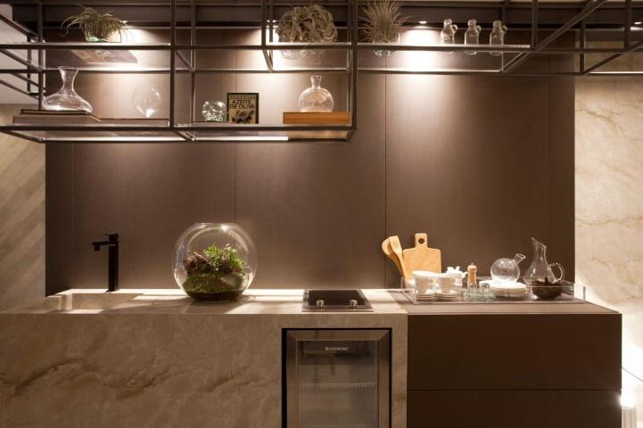 Bar-em-casa-com-estrutura-metálica-Projeto-de-Sandra-Moura1