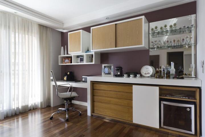 Bar-em-casa-com-home-office-Projeto-de-Juliana-Conforto