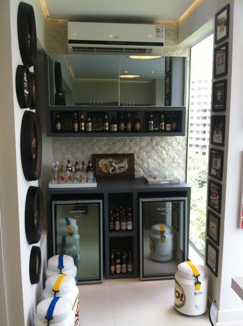 Bar-em-casa-na-sacada-Projeto-de-Lucia-Stuhlberger