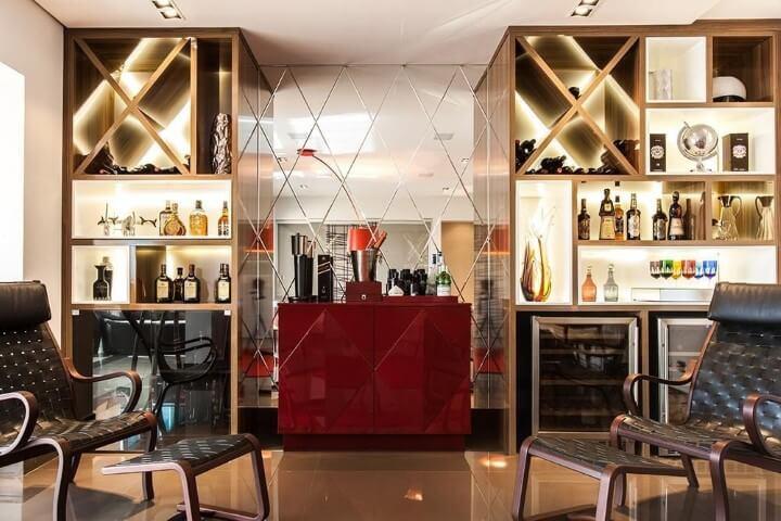 Bar-em-casa-sofisticado-Projeto-de-Barbara-Dundes